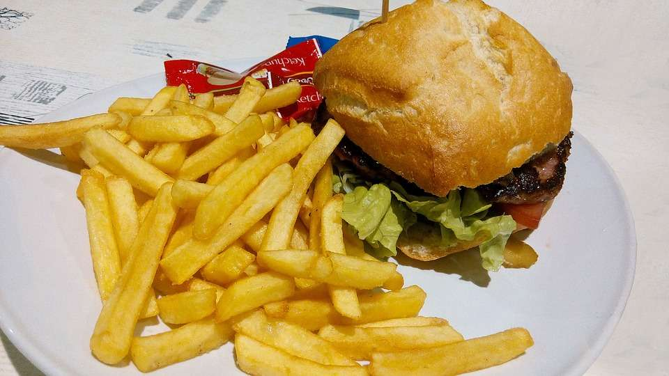fast foods can cause weight gain