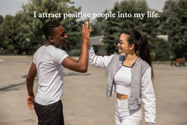 how to use the law of attraction effectively - positive affirmations