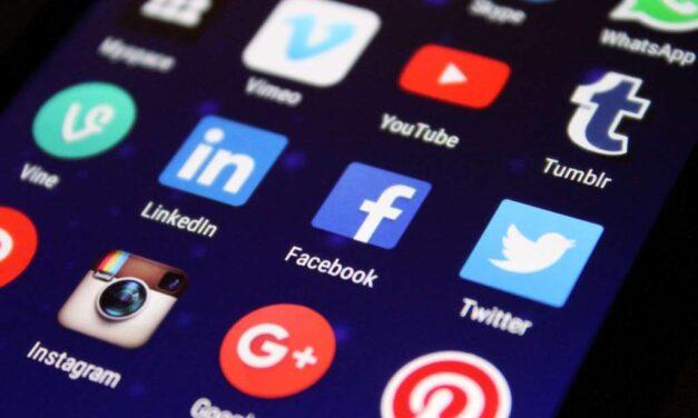 کیا 2022 میں سوشل میڈیا کیریئر آپ کے لیے مستقبل ہے؟